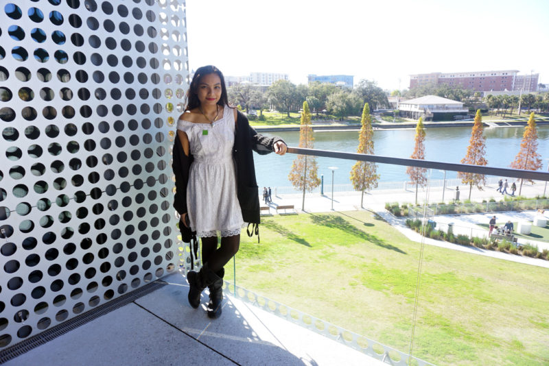 Little-White-Dress-Winter-Style-Blogger-LINDATENCHITRAN-1-1616x1080